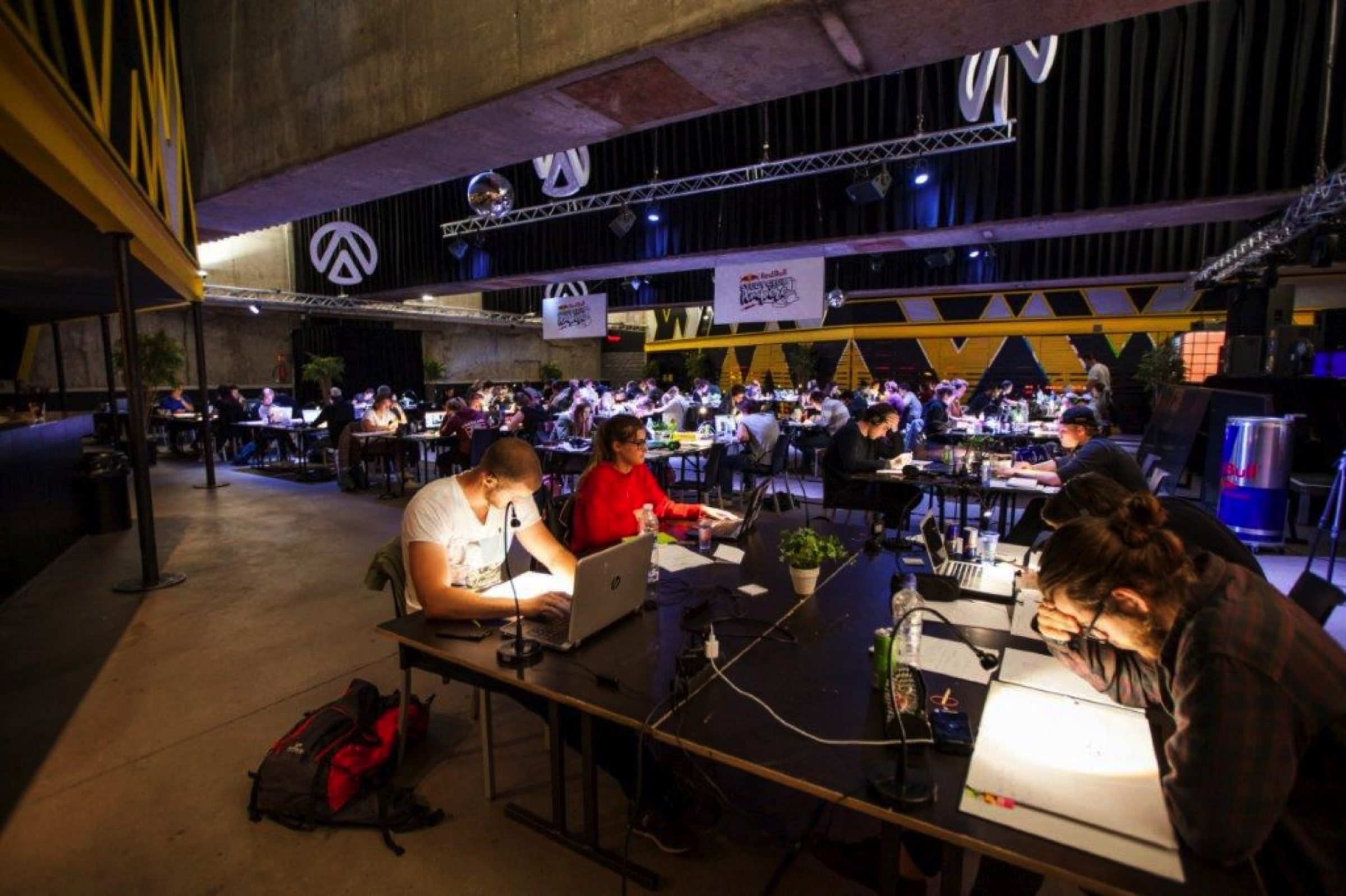 Fast Forward Evenementenbureau Gent Publiek Event Redbull Studyclub 3